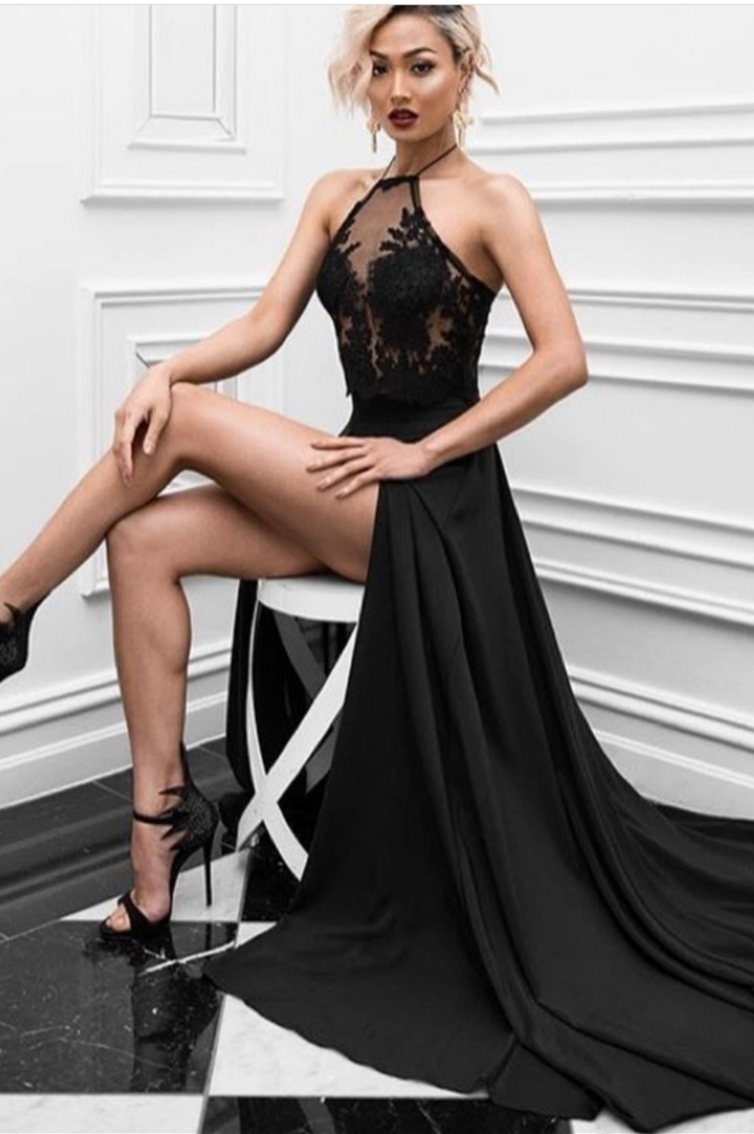 LONG -  HALTER NECK - FLOWY  - SLIT